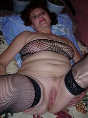 mature amateur wife hunts for dick