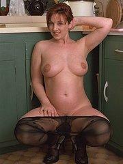 amateur wife fingered and licked in the kitchen