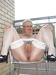 amateur exhibition of mature wife