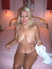 wife strips at club on amateur night