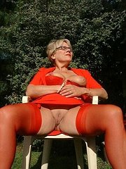 shaved amateur mature wife
