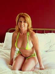 amateur real nude 40+ wife