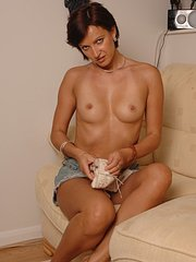 amateur wife dancing naked