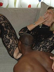 amateur wife has threeway with girlfriend