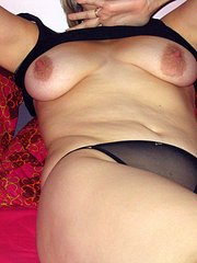 amateur wife gags on cock